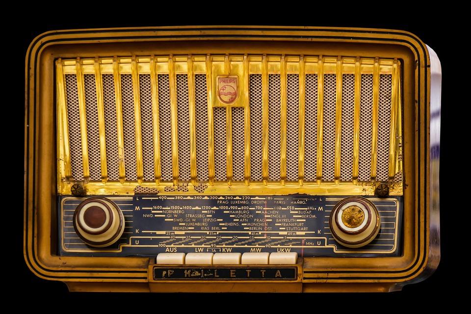 Maakt jouw radio van die rare geluiden?